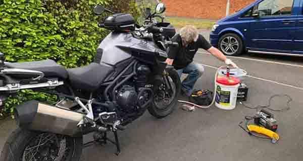 bike seal insertion